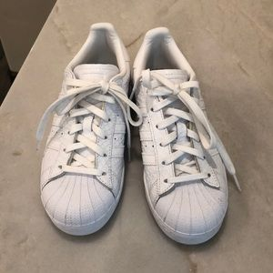 Adidas Superstar size 5/6